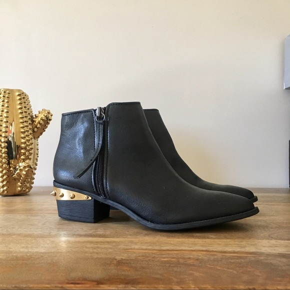9c0e4a81c7a05d Sam Edelman Holt Leather Studded Leather Booties. M 5b14530aa31c33f91c18bc07